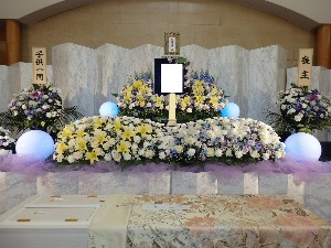 市営生花祭壇1